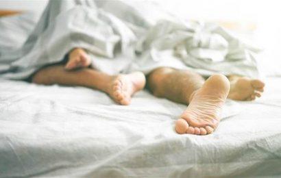 人夫激戰小三5小時 「床單濕一片」成偷情鐵證